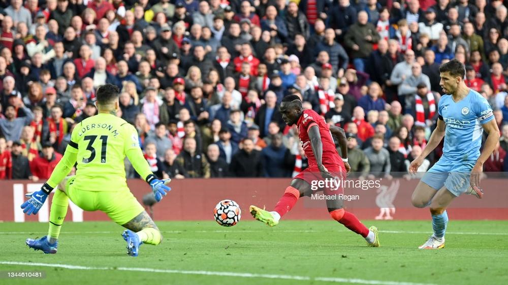 Klopp vung nắm đấm, Guardiola đập mạnh tay, dàn siêu sao lên thần ở Anfield - Ảnh 1.