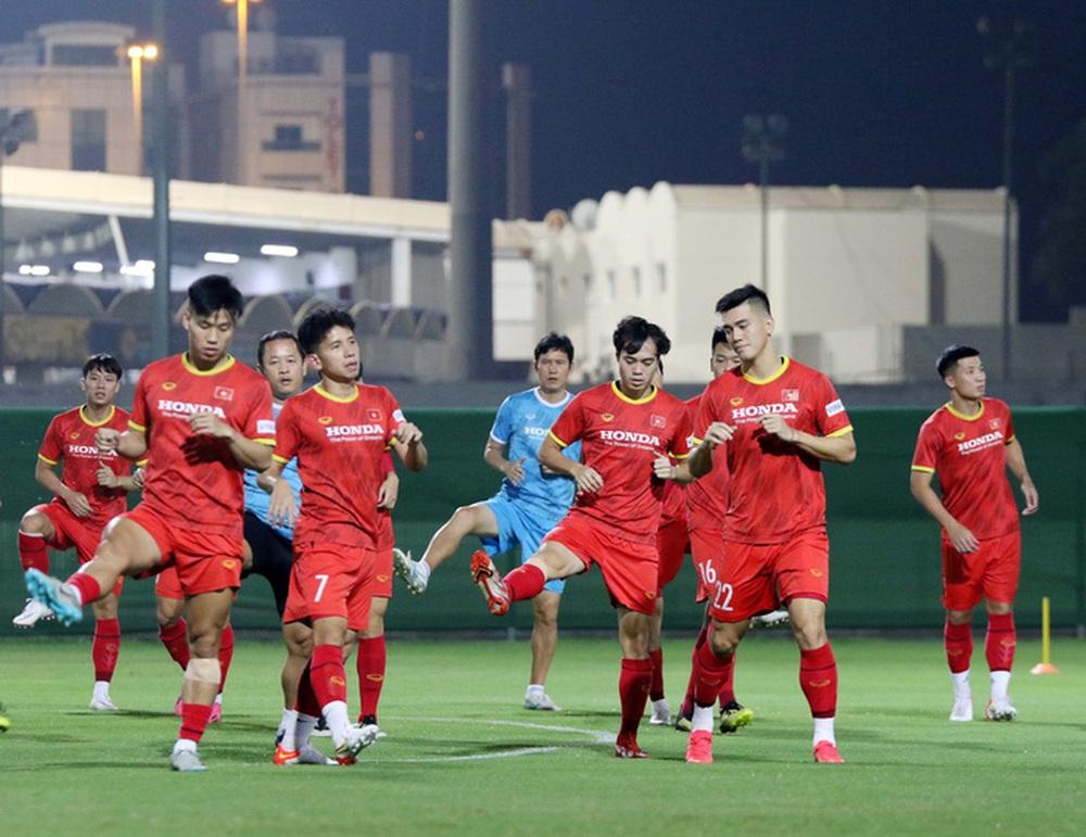 Hồng Duy: Đội tuyển Trung Quốc mạnh nhưng chúng tôi quyết tâm giành chiến thắng về cho tuyển Việt Nam - Ảnh 1.