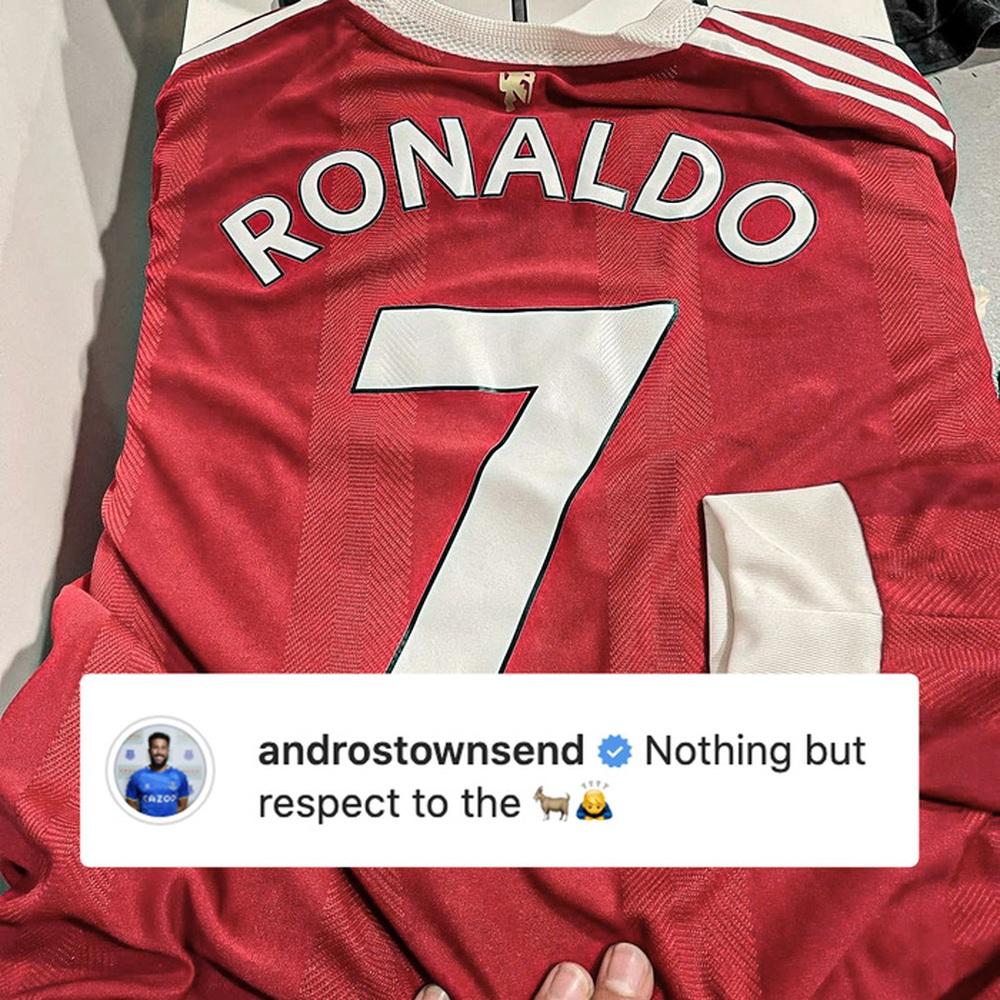 Thừa nhận là fan cuồng Ronaldo, cầu thủ Everton ghi bàn vào lưới MU nhận món quà trong mơ - Ảnh 1.
