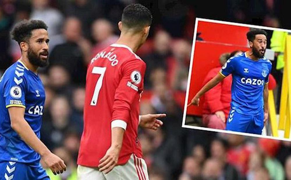 Vì sao người hùng Everton bắt chước cách ăn mừng của Ronaldo sau khi 'xé lưới' M.U?