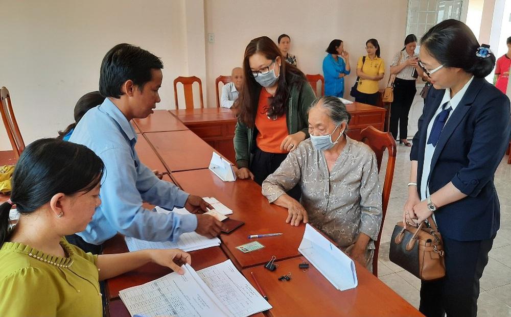 TP.HCM: Hơn 420 người 120 tuổi nằm trong danh sách hỗ trợ Covid-19 ở một phường?