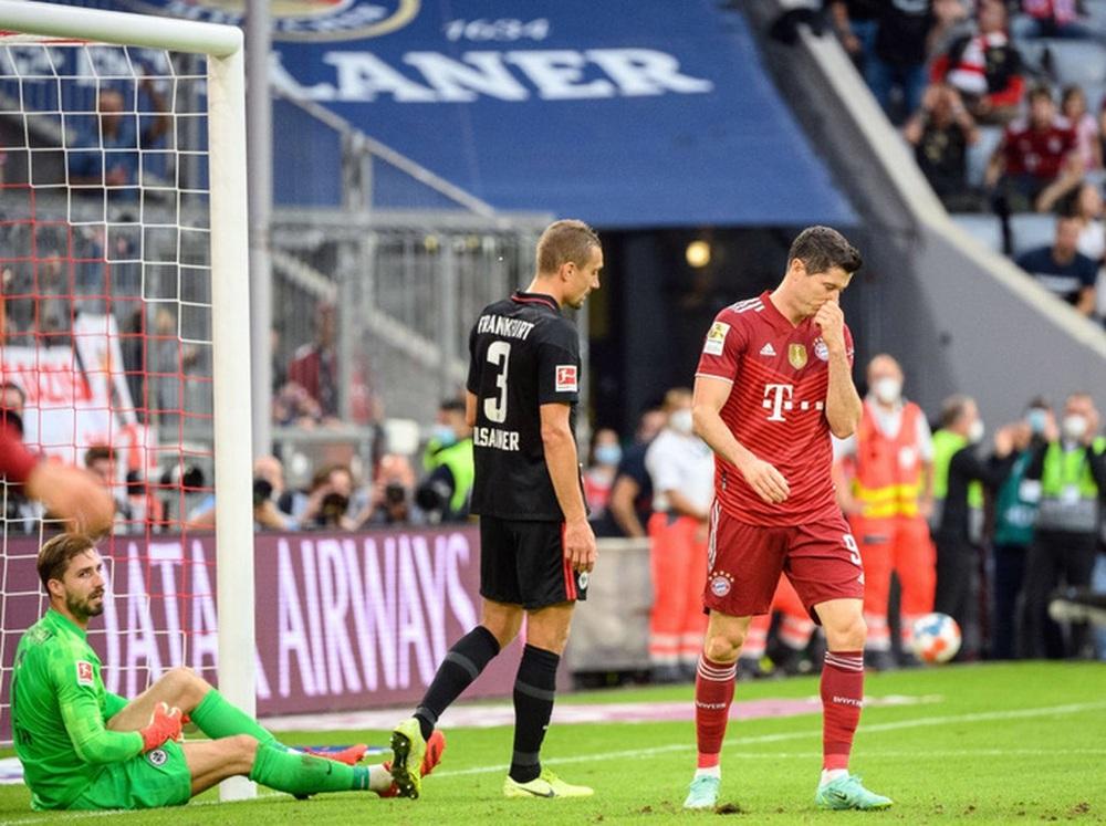 Thủ môn nam thần hóa siêu nhân khiến Bayern thua sốc ngay trên sân nhà - Ảnh 10.