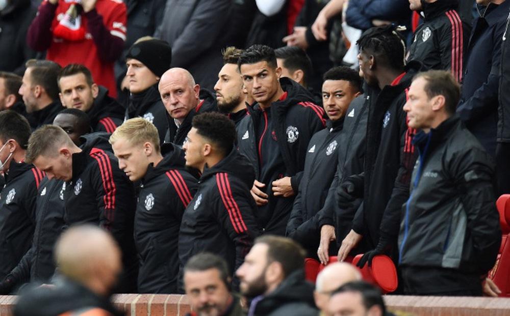 Ferguson khó chịu vì Solskjaer để Ronaldo dự bị