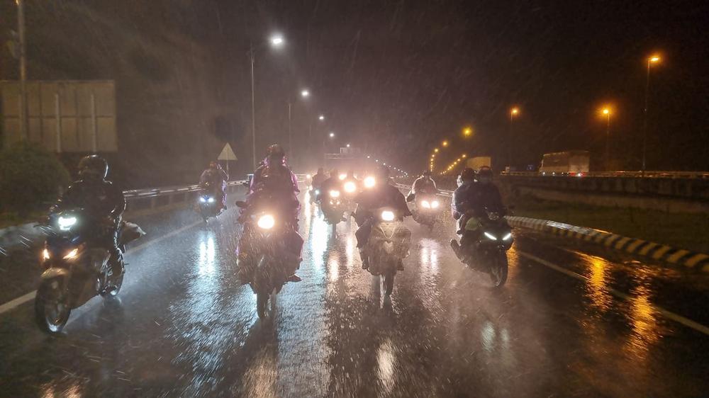 Lần đầu trong lịch sử: Hầm Hải Vân mở cửa cho xe máy chạy qua - Ảnh 4.