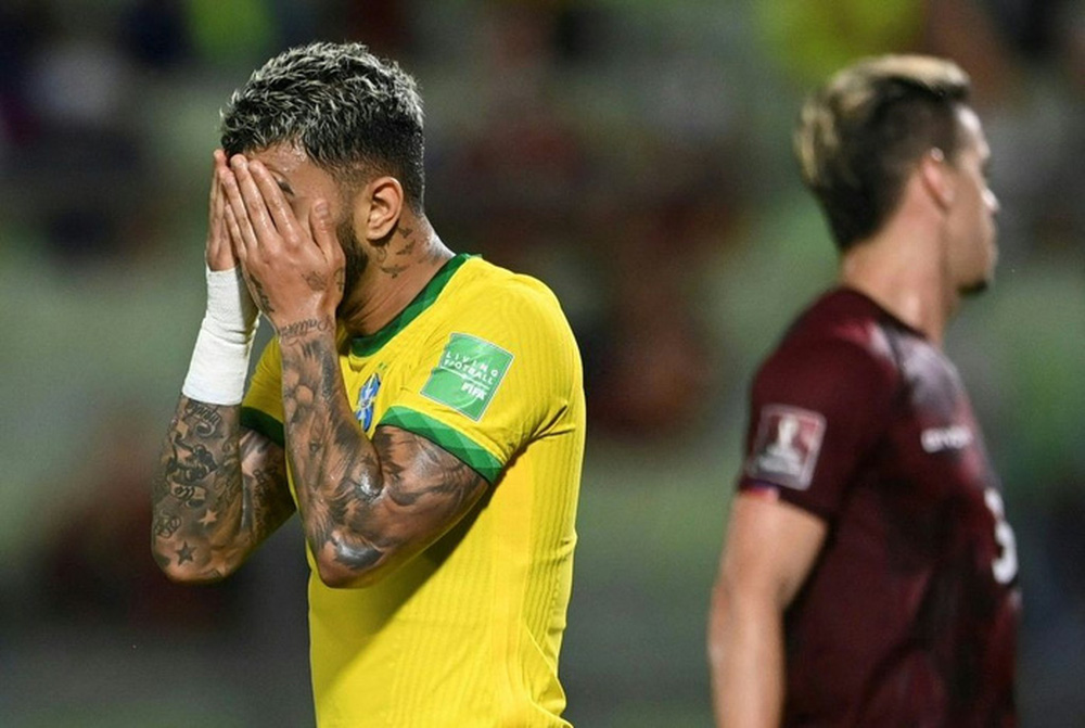 Vắng Neymar, Brazil chật vật ngược dòng đánh bại đội tuyển bét bảng tại vòng loại World Cup Nam Mỹ - Ảnh 2.