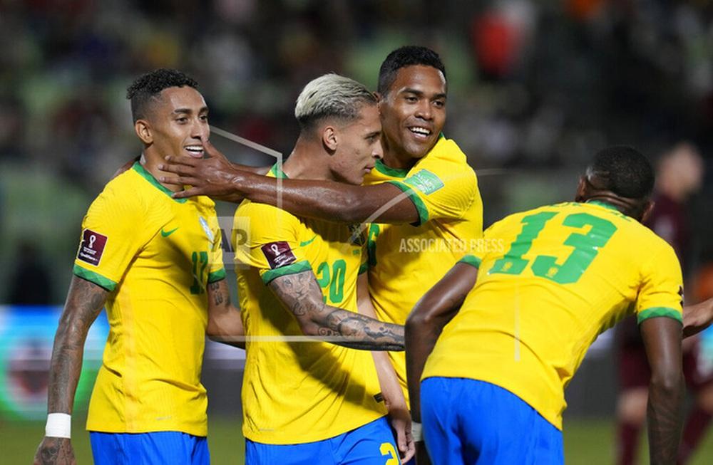 Vắng Neymar, Brazil chật vật ngược dòng đánh bại đội tuyển bét bảng tại vòng loại World Cup Nam Mỹ - Ảnh 11.