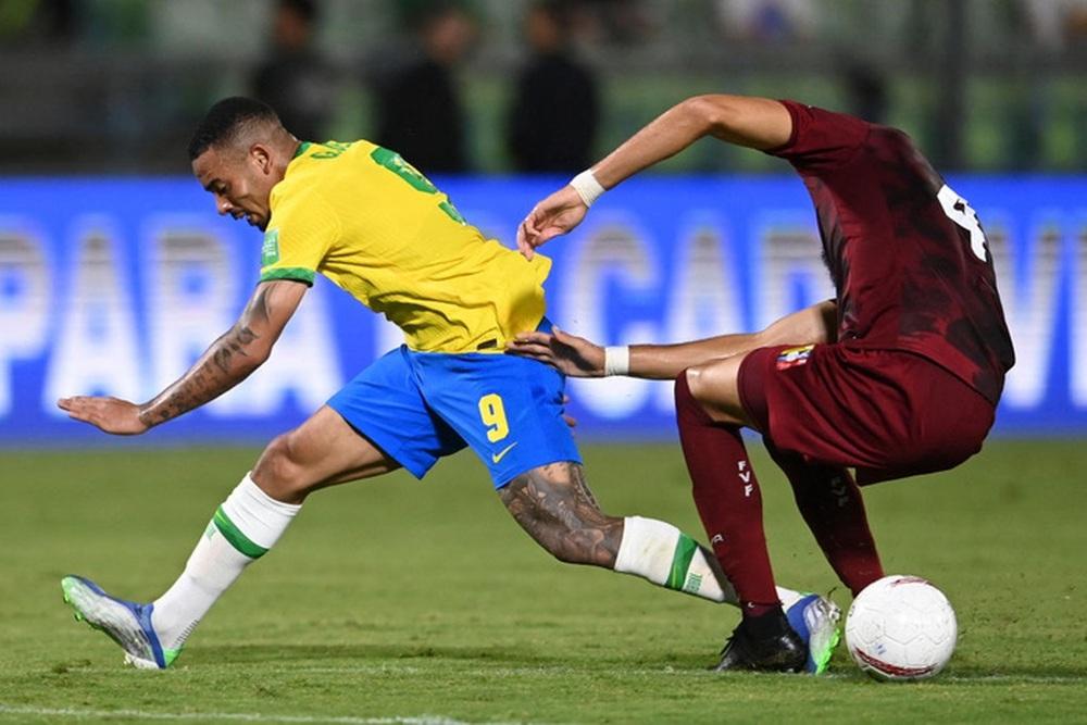 Vắng Neymar, Brazil chật vật ngược dòng đánh bại đội tuyển bét bảng tại vòng loại World Cup Nam Mỹ - Ảnh 5.