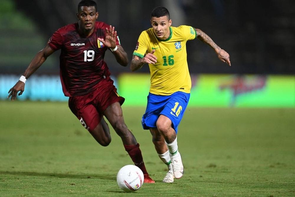 Vắng Neymar, Brazil chật vật ngược dòng đánh bại đội tuyển bét bảng tại vòng loại World Cup Nam Mỹ - Ảnh 7.