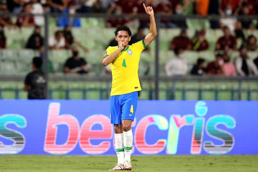 Vắng Neymar, Brazil chật vật ngược dòng đánh bại đội tuyển bét bảng tại vòng loại World Cup Nam Mỹ - Ảnh 8.