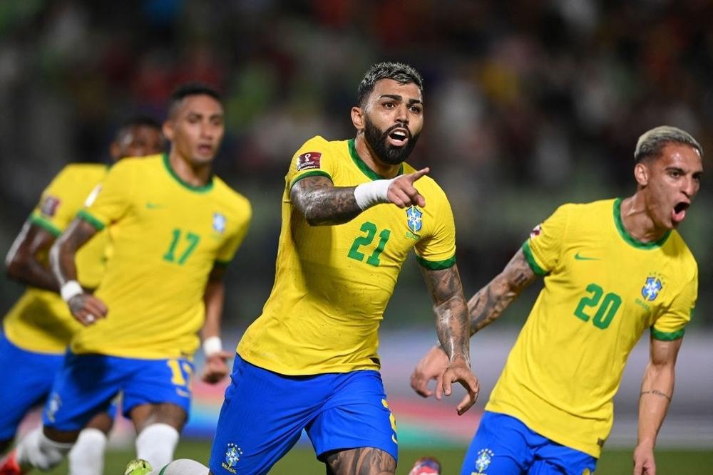 Vắng Neymar, Brazil chật vật ngược dòng đánh bại đội tuyển bét bảng tại vòng loại World Cup Nam Mỹ - Ảnh 10.