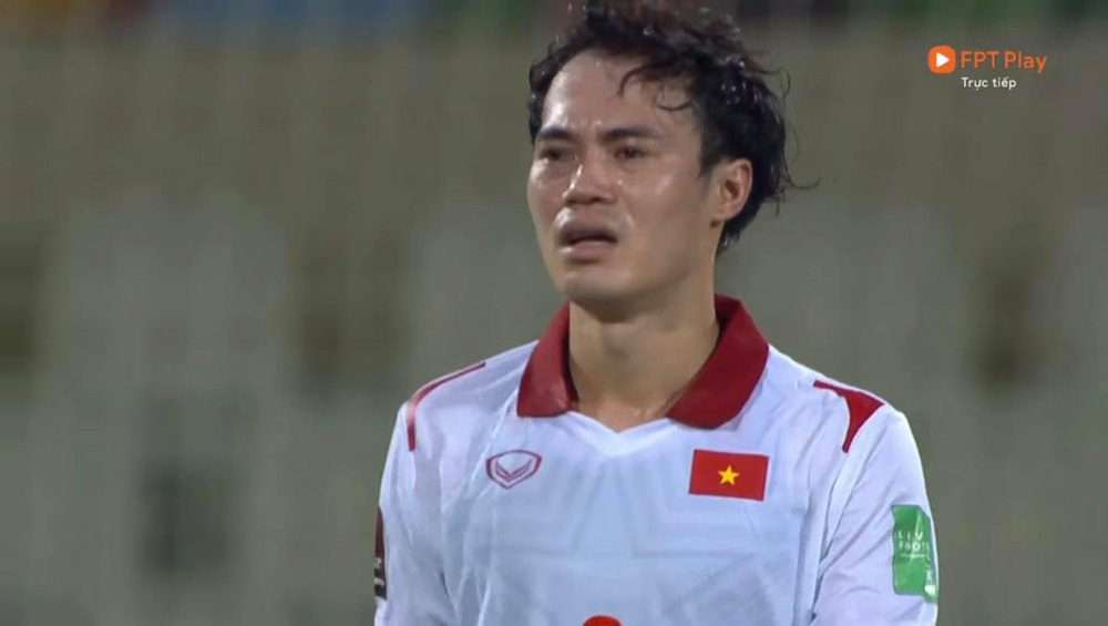 Duy Mạnh bật khóc, tuyển Việt Nam đẫm nước mắt sau trận thua đau trước Trung Quốc - Ảnh 3.