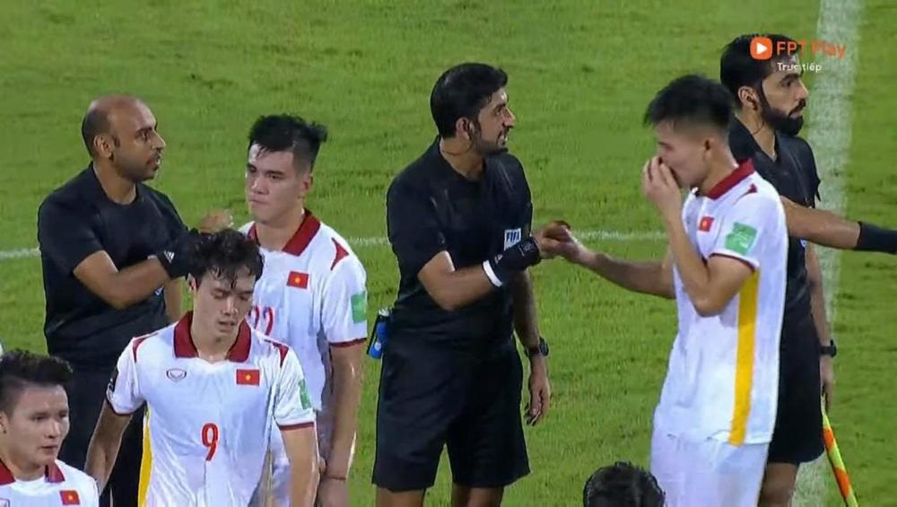 Duy Mạnh bật khóc, tuyển Việt Nam đẫm nước mắt sau trận thua đau trước Trung Quốc - Ảnh 5.