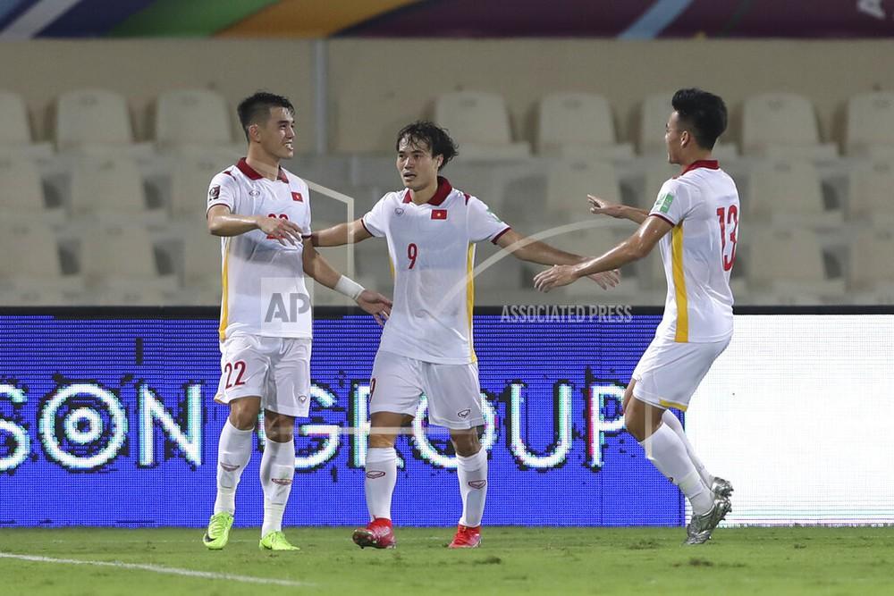 ĐT Việt Nam không kém cạnh gì Trung Quốc, nhưng trận thua này cũng là bài học đau đớn - Ảnh 6.