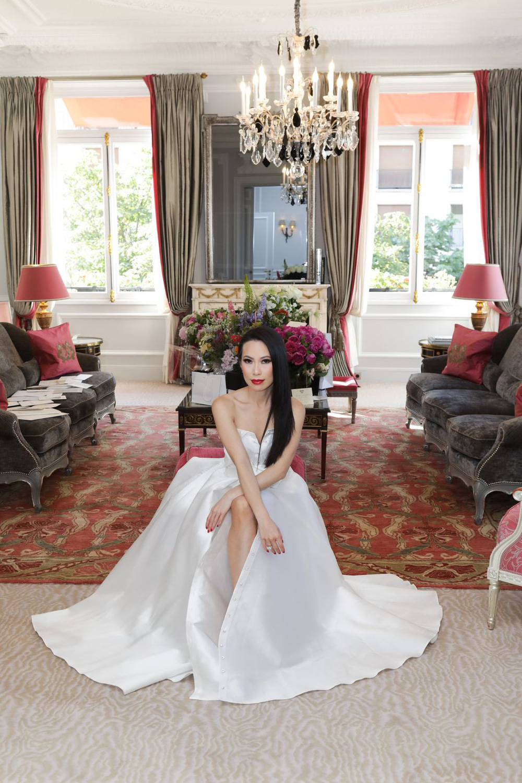 Cuộc sống xa hoa của nữ triệu phú xuất thân hoàng tộc, lấy chồng siêu giàu - Ảnh 10.