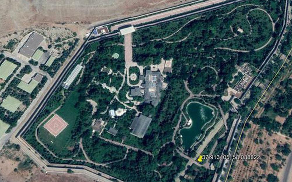 Phát hiện cung điện khổng lồ giấu kín trong núi nhờ Google Earth