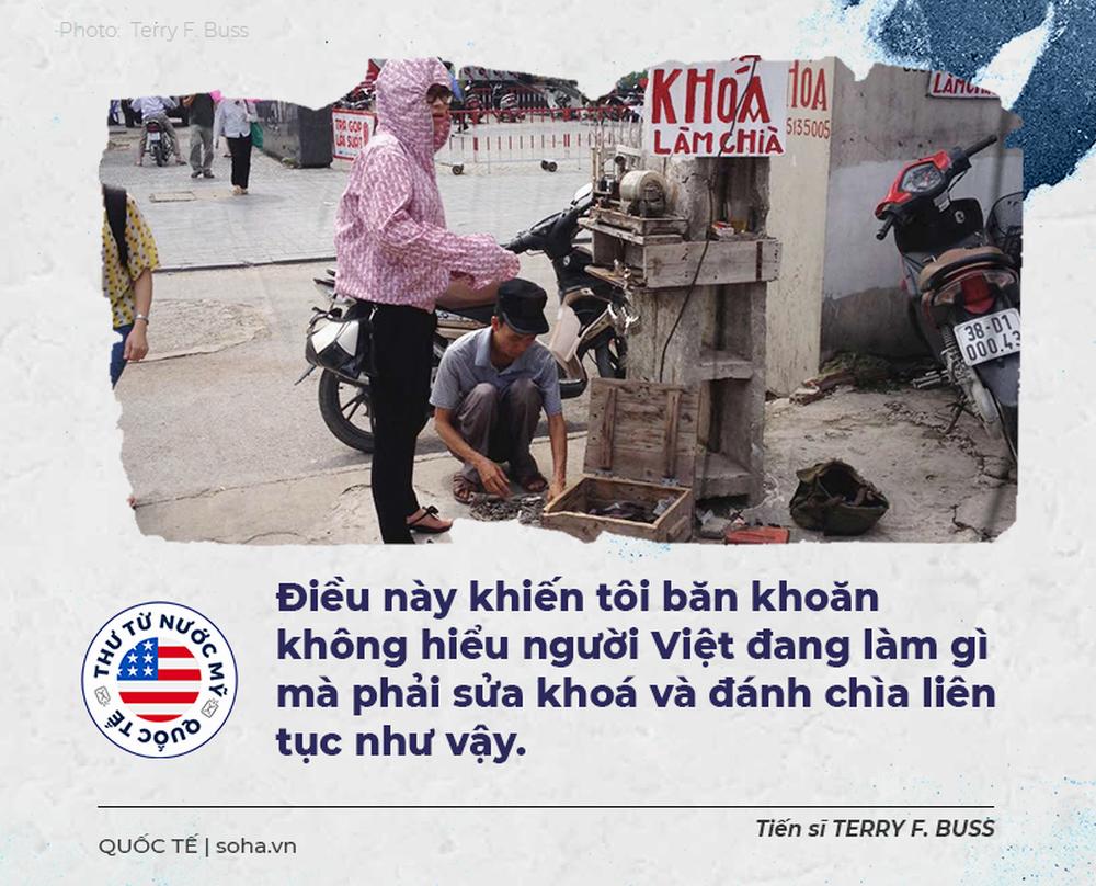 Thư từ nước Mỹ: Những người anh hùng đạp xe cà tàng trên đường phố Hà Nội - Ảnh 2.