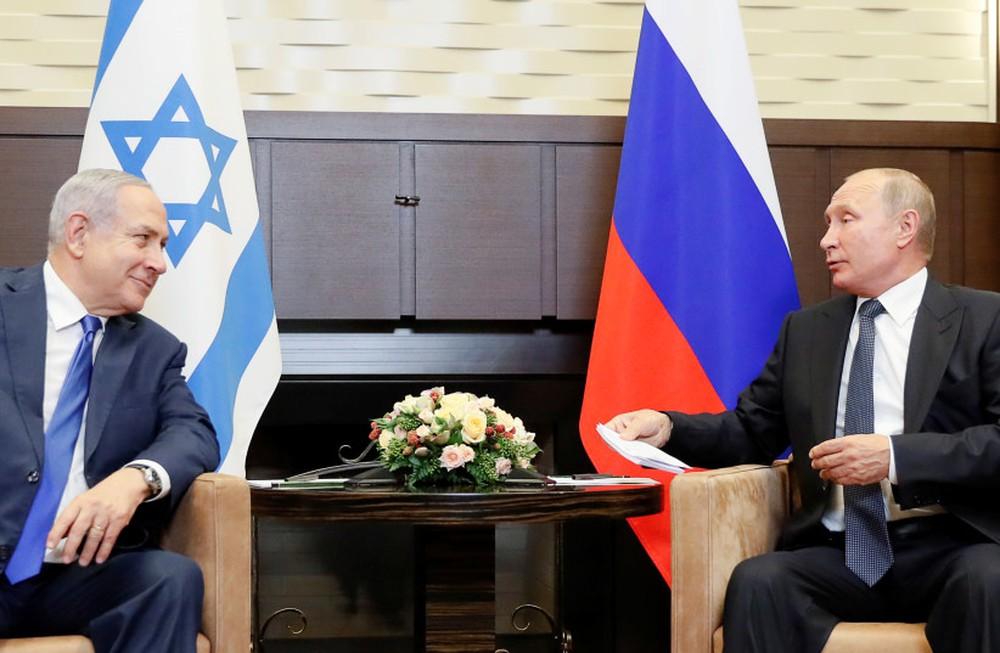 Tổng thống Putin đã cho Mỹ - Israel thấy ai mới là ông chủ thực sự ở Syria! - Ảnh 1.