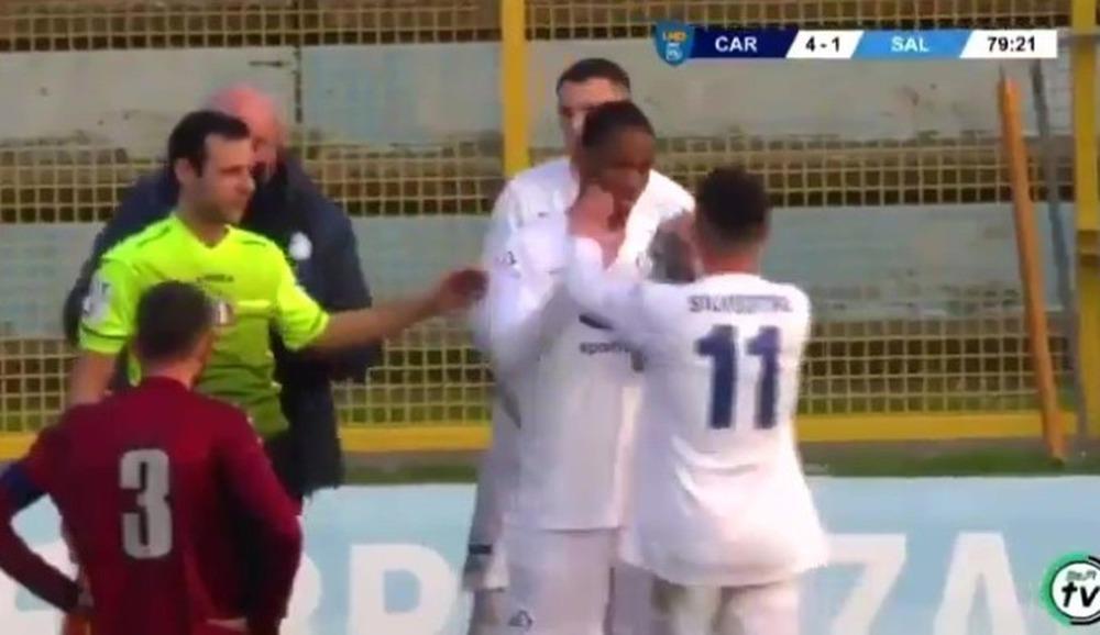 Con trai Drogba ra mắt ở giải đấu nghiệp dư, fan lo lắng hổ phụ không sinh không hổ tử - Ảnh 2.