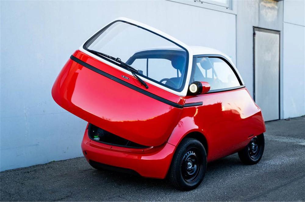 Cận cảnh chiếc ô tô điện 2 chỗ giá rẻ lấy cảm hứng từ xế hộp hạng sang BMW - Ảnh 2.