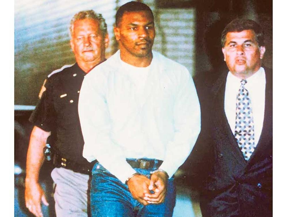 Thực hư vụ Mike Tyson từng bị côn đồ đánh gãy xương sườn trong nhà tù - Ảnh 1.