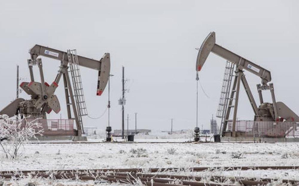 Giá dầu thế giới tăng mạnh, có dự báo lên 100 USD/thùng