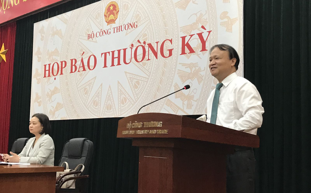 Thứ trưởng Bộ Công Thương: Giá xăng tăng liêp tiếp là bình thường