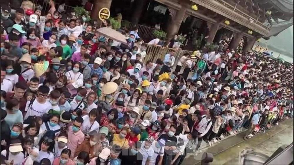 Tỉnh Hà Nam chỉ đạo kiểm tra công tác phòng chống dịch tại chùa Tam Chúc - Ảnh 2.