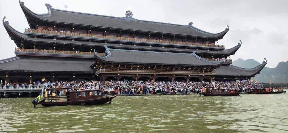 Sau việc biển người ở chùa Tam Chúc, Bộ Văn hoá, Giáo hội Phật giáo chỉ đạo gấp phòng, chống dịch Covid-19 - Ảnh 2.