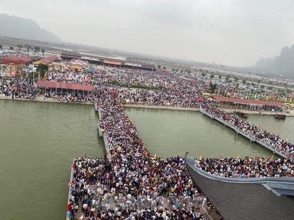 Tỉnh Hà Nam chỉ đạo kiểm tra công tác phòng chống dịch tại chùa Tam Chúc - Ảnh 3.