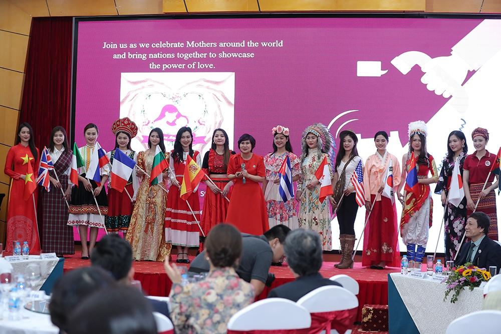 Nhạc sĩ Trần Tiến và nghệ sĩ 14 nước tham gia Ngày của mẹ - Ảnh 3.