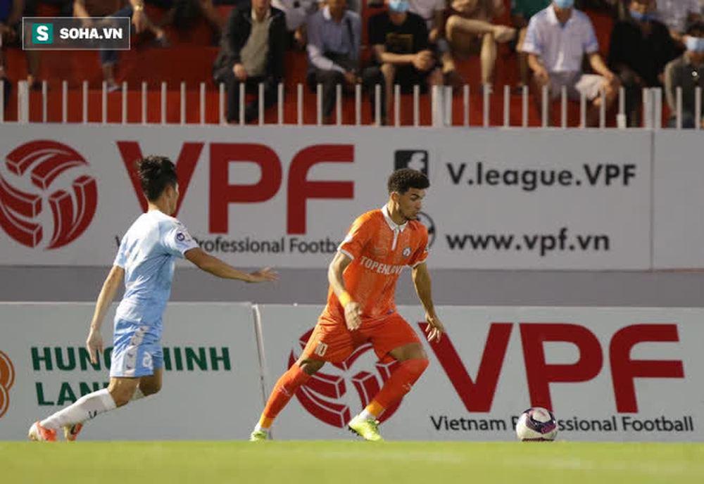 Thua tân binh V.League, HLV Đà Nẵng so sánh BĐVN thua xa Barcelona, MC - Ảnh 3.