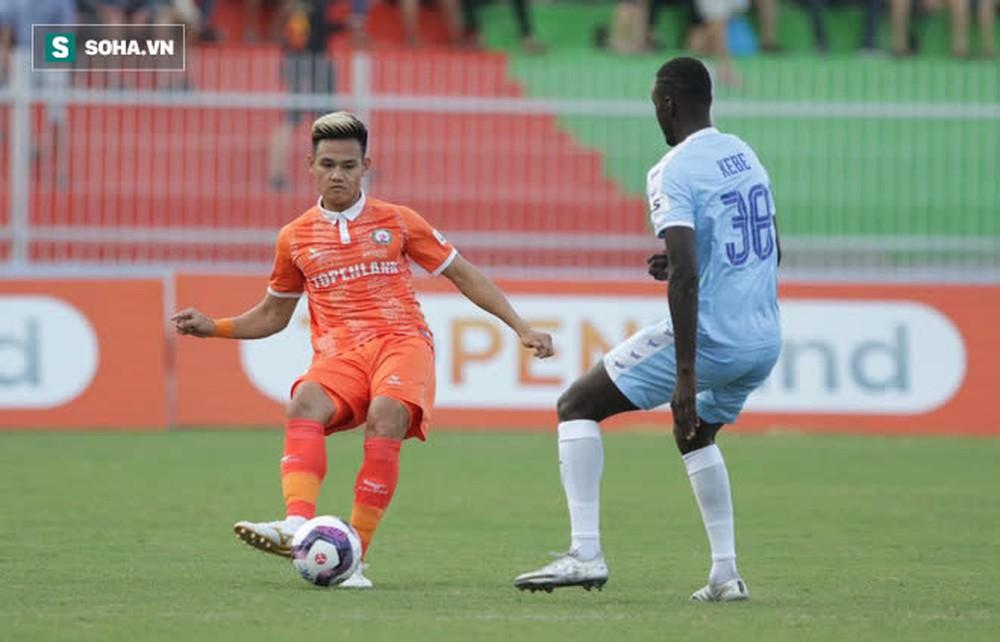 Thua tân binh V.League, HLV Đà Nẵng so sánh BĐVN thua xa Barcelona, MC - Ảnh 2.