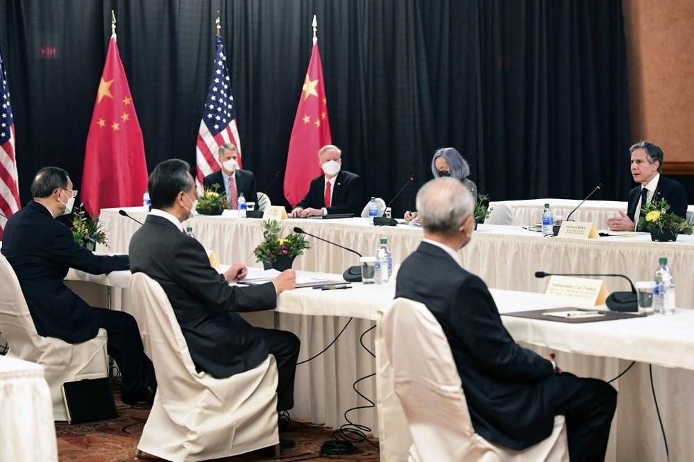 Ngoại trưởng Nga thăm TQ tính kế lâu dài: Mỹ dù mạnh cũng không thể 1 cân 2 cùng lúc! - Ảnh 2.