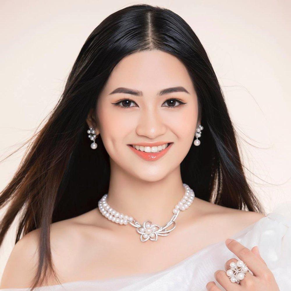 Cận cảnh nhan sắc người đẹp Hoa hậu Việt Nam dẫn bản tin VTV - Ảnh 9.