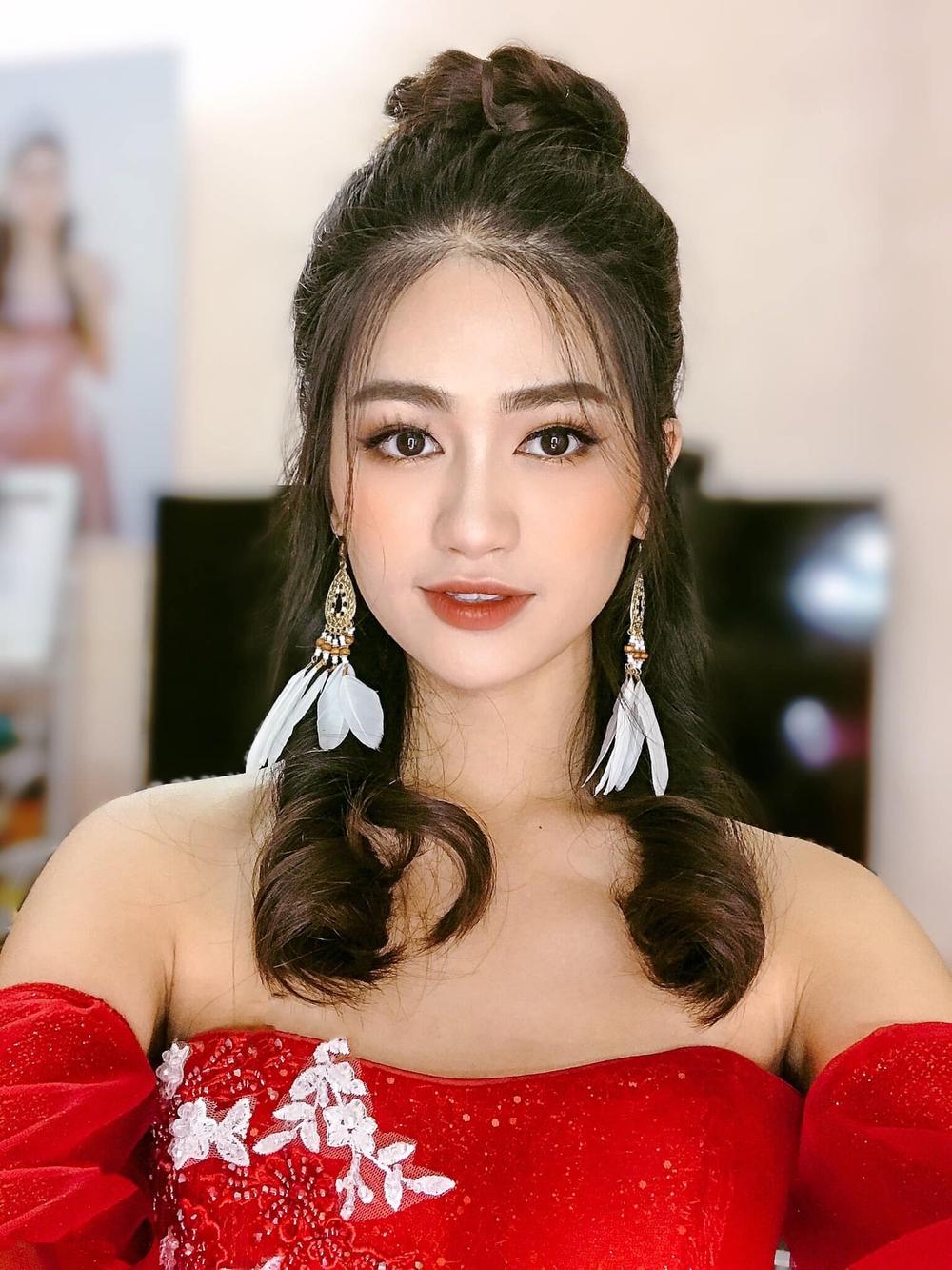 Cận cảnh nhan sắc người đẹp Hoa hậu Việt Nam dẫn bản tin VTV - Ảnh 8.