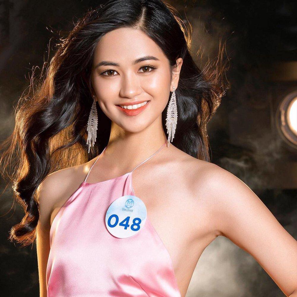 Cận cảnh nhan sắc người đẹp Hoa hậu Việt Nam dẫn bản tin VTV - Ảnh 3.