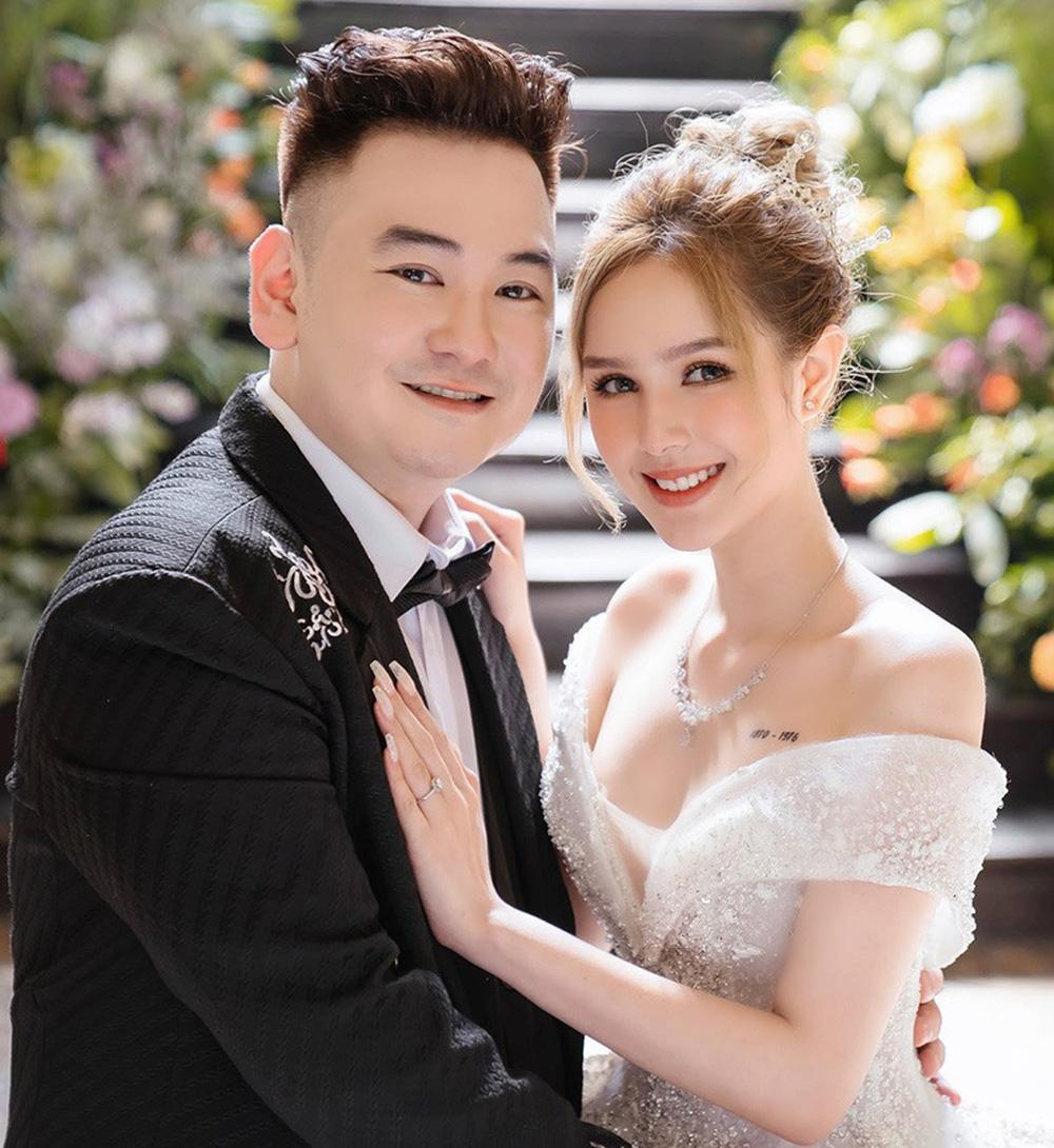 Streamer đại gia giàu nhất Việt Nam lấy vợ kém 13 tuổi: Tôi cảm giác như mình bị gài - Ảnh 5.
