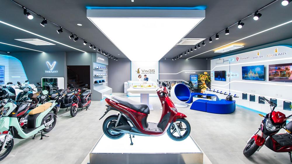"""Bên trong loạt showroom xe máy điện VinFast kết hợp trung tâm trải nghiệm Vin3S """"xịn xò"""" - Ảnh 4."""