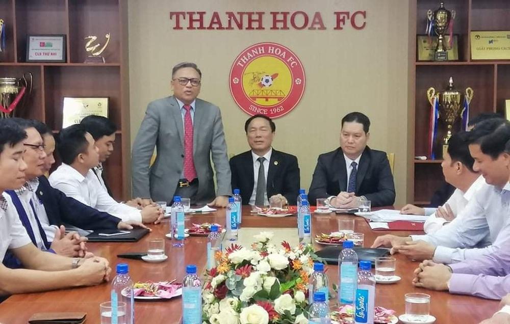 Hoàng Vũ Samson đen đủi khi vớ phải CLB Thanh Hóa giữa sự rối ren đầy nghiệp dư của V.League - Ảnh 3.