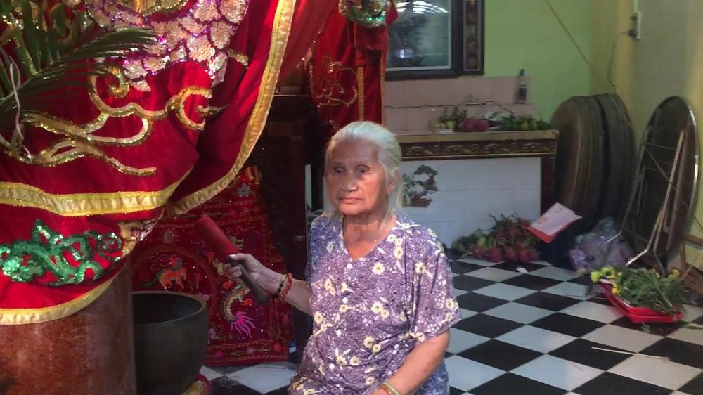Cô đào vang danh một thời: Ở trọ tồi tàn, 7h tối đi ngủ tiết kiệm điện, được Hoài Linh cho tiền - Ảnh 1.