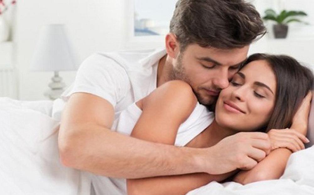 Những cặp đôi hòa hợp, tình dục thăng hoa thường có 5 điểm chung: Bạn có thuộc nhóm này không?