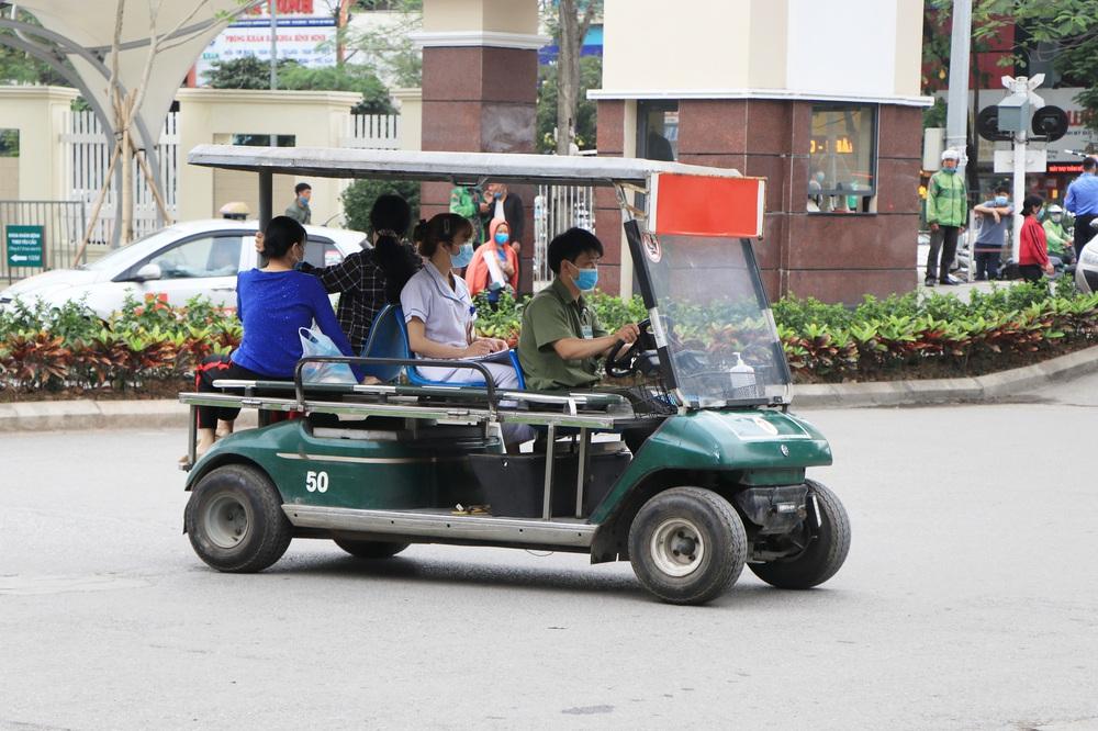 Sau những lùm xùm ở Bệnh viện Bạch Mai, bệnh nhân lại mừng ra mặt...! - Ảnh 12.