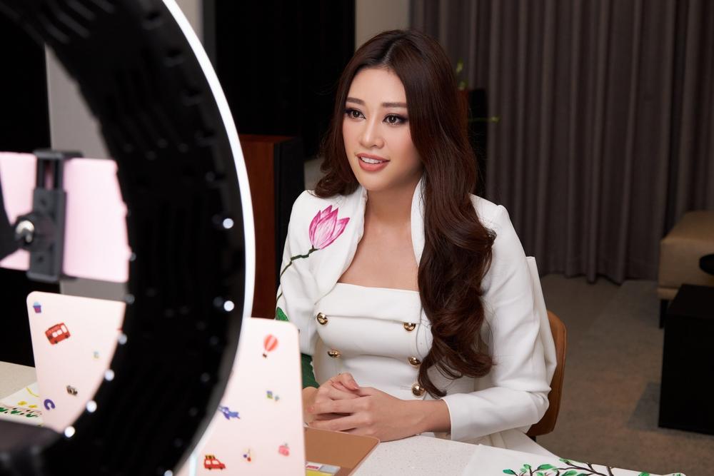 """Hoa hậu Khánh Vân xúc động, nhớ lại lần """"giải cứu"""" bé gái bị xâm hại tình dục - Ảnh 2."""