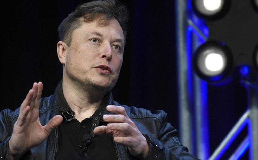 Vụ xe Tesla 'không người lái' gặp nạn trở thành bí ẩn: Elon Musk khẳng định tính năng Autopilot không được bật