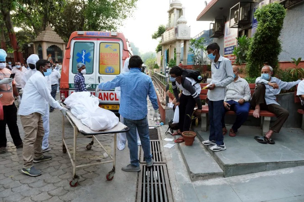 Rất nhiều người chết ngay trên phố: Thảm kịch nghiệt ngã tấn công quốc gia châu Á - Ảnh 5.