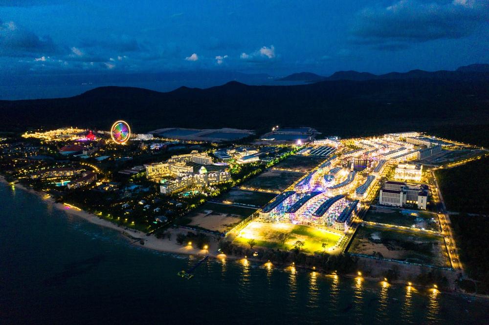 Bên trong siêu quần thể xịn xò tại Phú Quốc cảnh đẹp ngang ngửa đẳng cấp Las Vegas - Ảnh 14.