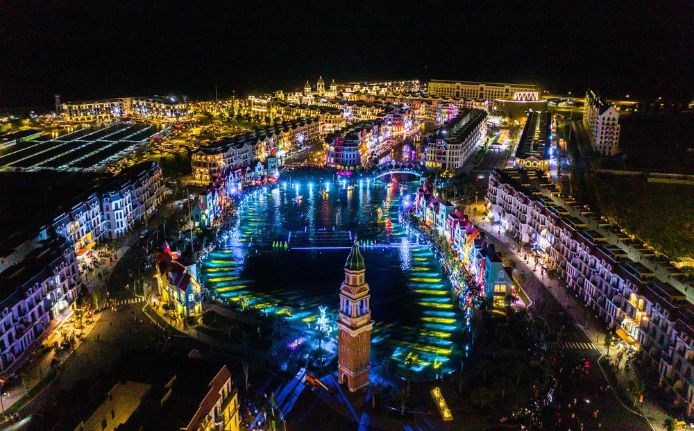 """Bên trong siêu quần thể """"xịn xò"""" tại Phú Quốc cảnh đẹp ngang ngửa đẳng cấp Las Vegas"""