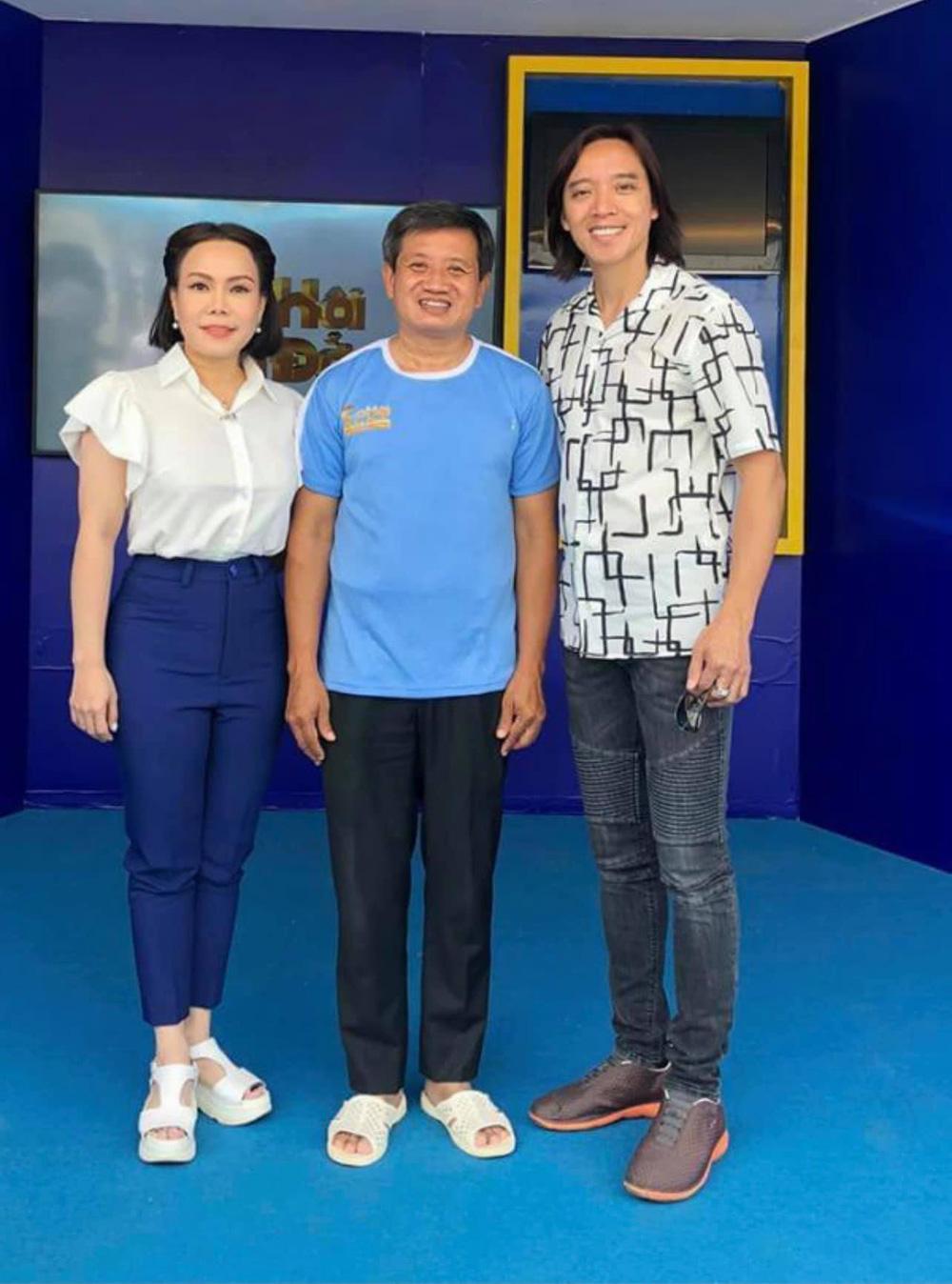 Ông Đoàn Ngọc Hải và nghệ sĩ Việt Hương gặp khó khi làm chương trình miễn phí ở Mèo Vạc: Tôi phải vào cuộc... - Ảnh 1.