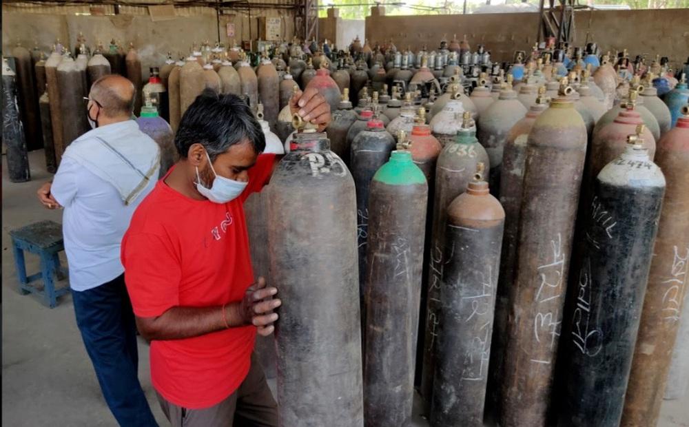 Ấn Độ gửi cảnh báo 'lạnh gáy', dọa treo cổ những 'kẻ cướp' bình oxy