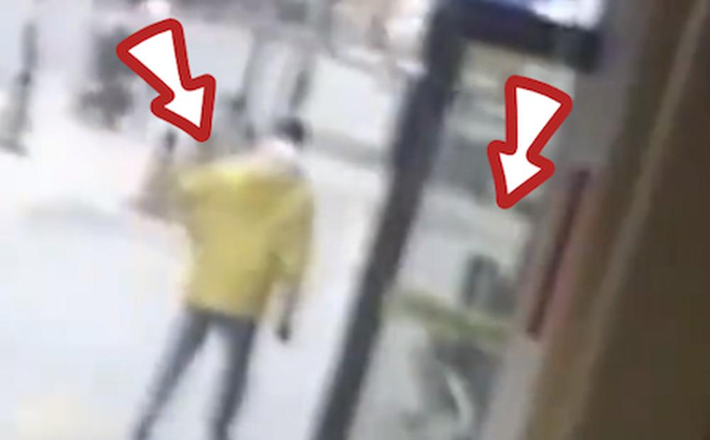 Đi giao hàng vô tình gặp 1 người vô gia cư, sau khi đến gần quan sát kỹ, người đàn ông đi thẳng đến đồn cảnh sát trình báo